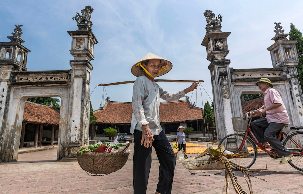 Local culture along the Halong Bay and Red River