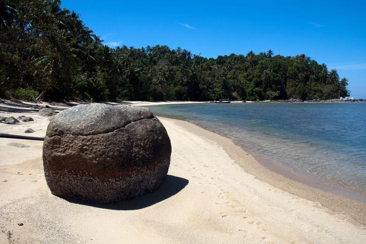 Bang Tao: long walk along the beach, beach