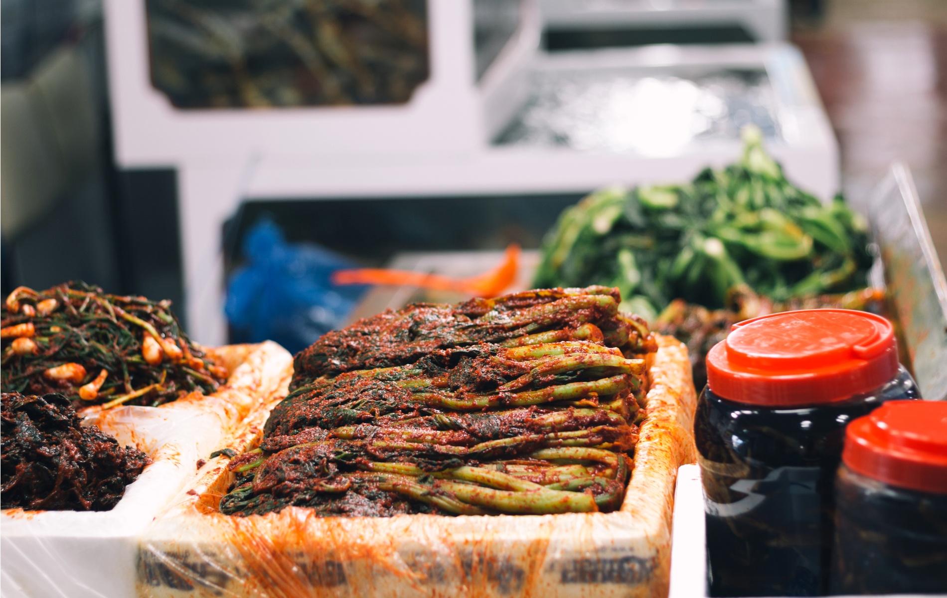 Gat_kimchi_traditional_stall